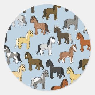 Adesivo Redondo Rebanho bonito dos cavalos