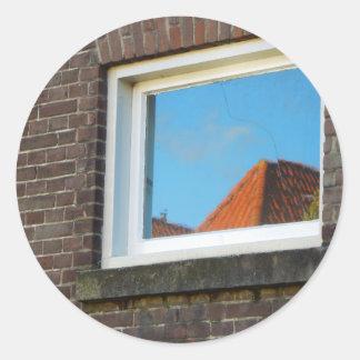 Adesivo Redondo Reflexão holandesa da janela da fotografia