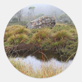 Adesivo Redondo Reflexões enevoadas da manhã, Tasmânia, Austrália