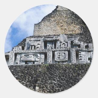 Adesivo Redondo Ruína maia de Xunantunich em Belize