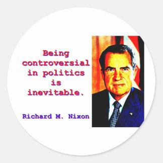 Adesivo Redondo Sendo controverso na política - Richard Nixon .jp