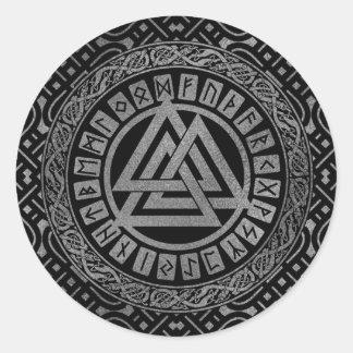 Adesivo Redondo Símbolo metálico de prata de Valknut no teste