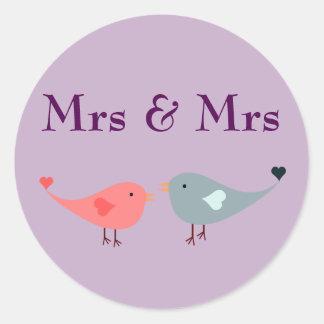 Adesivo Redondo Sra. & Sra. (casamento)