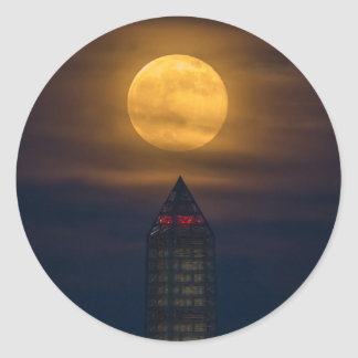 Adesivo Redondo Supermoon sobre o monumento de Washington