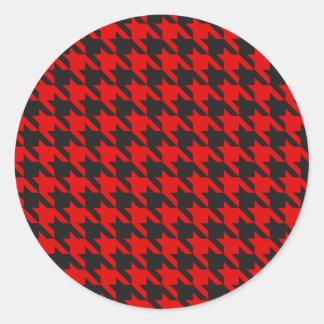 Adesivo Redondo Teste padrão vermelho e preto de Houndstooth