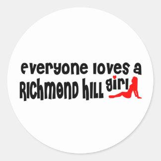Adesivo Redondo Todos ama uma menina de Richmond
