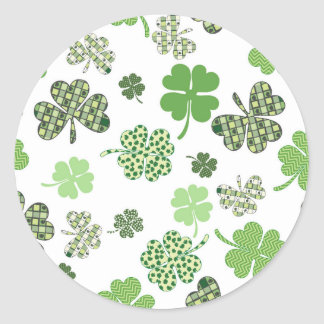 Adesivo Redondo Trevos brancos e verdes irlandeses bonito