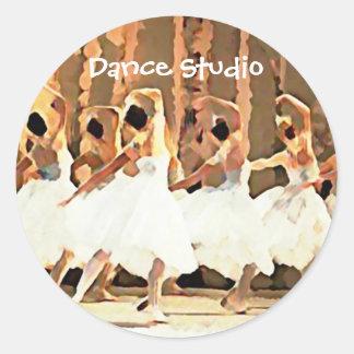 Adesivo Redondo Tutus brancos do balé na dança do palco
