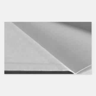 Adesivo Retangular A segunda mão registra com páginas vazias em uma