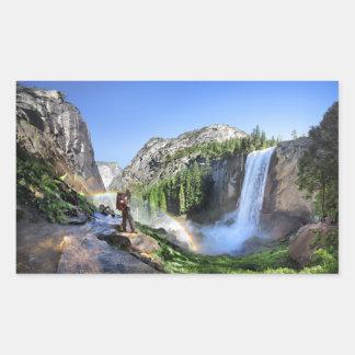 Adesivo Retangular Caminhante da queda e arco-íris Vernal - Yosemite