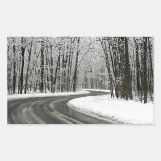 Adesivo Retangular Estrada de enrolamento curvada neve