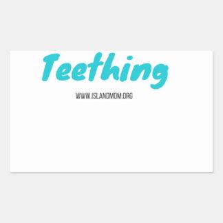 Adesivo Retangular Eu sobrevivi ao Teething - camisas de T