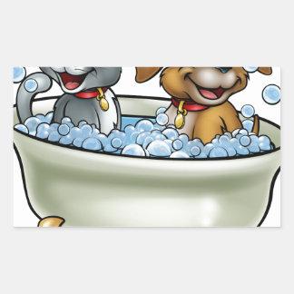 Adesivo Retangular Gato e cão dos desenhos animados no banho