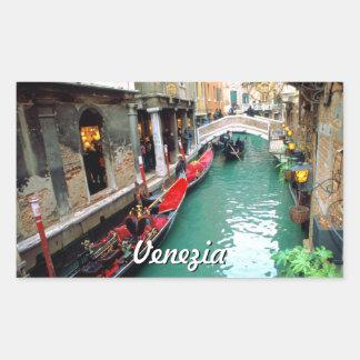 Adesivo Retangular Gôndola em um canal pequeno em Veneza