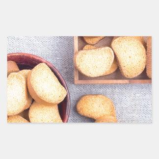 Adesivo Retangular Ideia superior das partes de pão secado