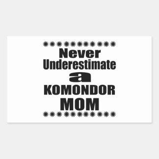 Adesivo Retangular Nunca subestime a mamã de KOMONDOR