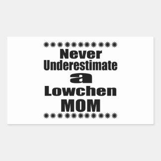 Adesivo Retangular Nunca subestime a mamã de Lowchen