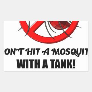 Adesivo Retangular o mosquito não o bate com um tanque