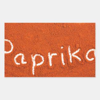 Adesivo Retangular Paprika da palavra escrita no pó da paprika