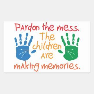 Adesivo Retangular Pardon a confusão que as crianças estão fazendo