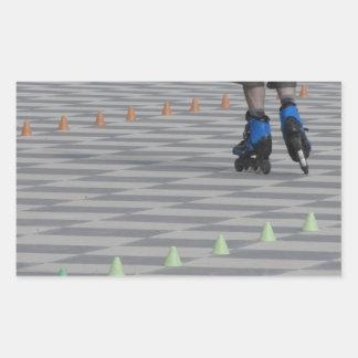 Adesivo Retangular Pés da cara em skates inline. Patinadores Inline