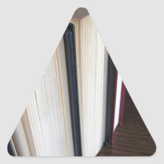 Adesivo Triangular A segunda mão registra a posição em uma mesa de