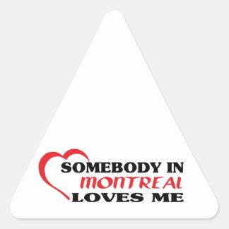 Adesivo Triangular Alguém em Montreal ama-me