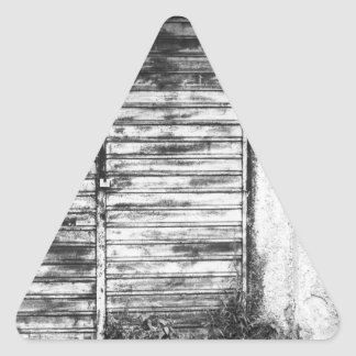 Adesivo Triangular Bw esquecido loja abandonado