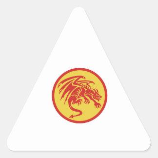 Adesivo Triangular Círculo de agachamento da gárgula do dragão retro