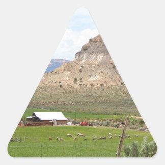 Adesivo Triangular Cultivando o país e as colinas, Utá do sul