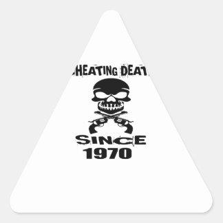 Adesivo Triangular Design de engano do aniversário da morte desde