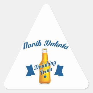 Adesivo Triangular Equipe do bebendo de North Dakota
