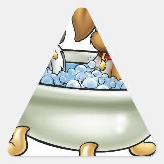 Adesivo Triangular Gato e cão dos desenhos animados no banho