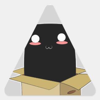 Adesivo Triangular Gato preto em uma caixa
