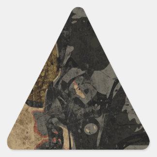 Adesivo Triangular Homem com máscara protetora na placa de metal