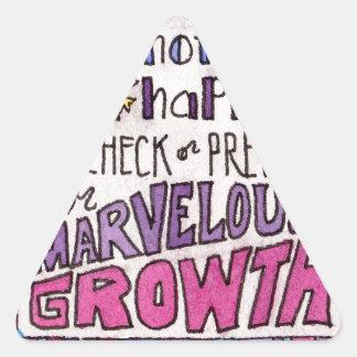 Adesivo Triangular Maio nada acontece impedir nosso crescimento