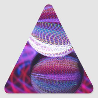 Adesivo Triangular Mentiras na bola de cristal