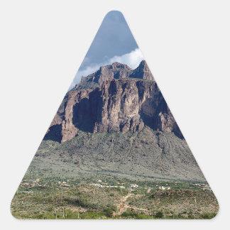 Adesivo Triangular O material de Brian
