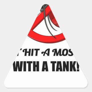 Adesivo Triangular o mosquito não o bate com um tanque