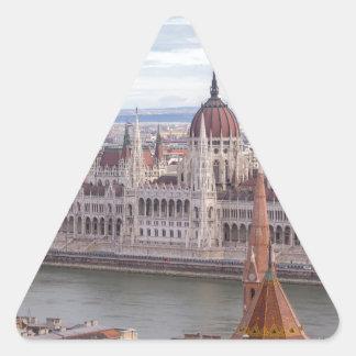 Adesivo Triangular O parlamento húngaro Budapest em o dia