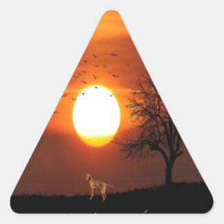 Adesivo Triangular Por do sol, árvore, pássaros, Weimaraner, cão