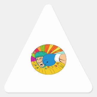 Adesivo Triangular Pugilista amador batido pelo desenho oval do