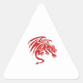 Adesivo Triangular Silhueta de agachamento da gárgula do dragão retro