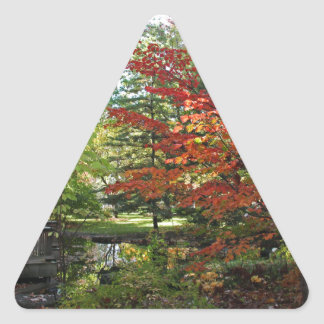 Adesivo Triangular Solidão procurando