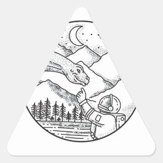 Adesivo Triangular Tatuagem do círculo da montanha do astronauta do