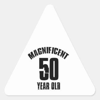 Adesivo Triangular TENDENDO o DESIGN do ANIVERSÁRIO das pessoas de 50