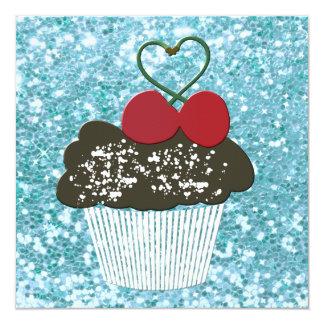 Adicione um cupcake do chocolate da mensagem com convite quadrado 13.35 x 13.35cm