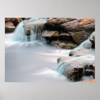 Adicione uma cachoeira de seda do jardim das pôster