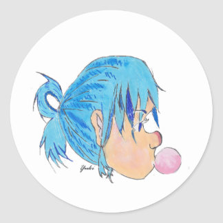 Adolescente fundindo uma bolha com goma adesivo redondo