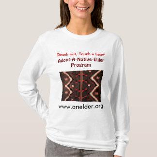adote um hoodie nativo de mulheres mais idosas camiseta